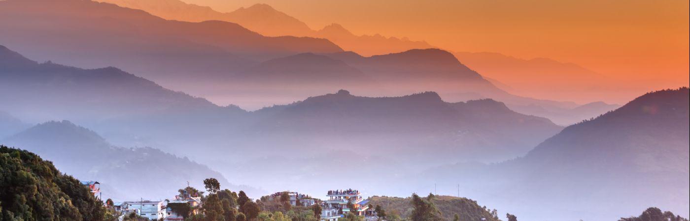Lever du soleil sur l'Himalaya à Sarangkot